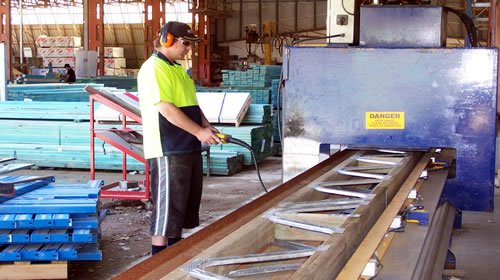 Manufacturing of floor trusses